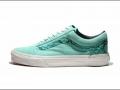 Vans特别推出 2013 蛇年别注鞋款系列 (3图)
